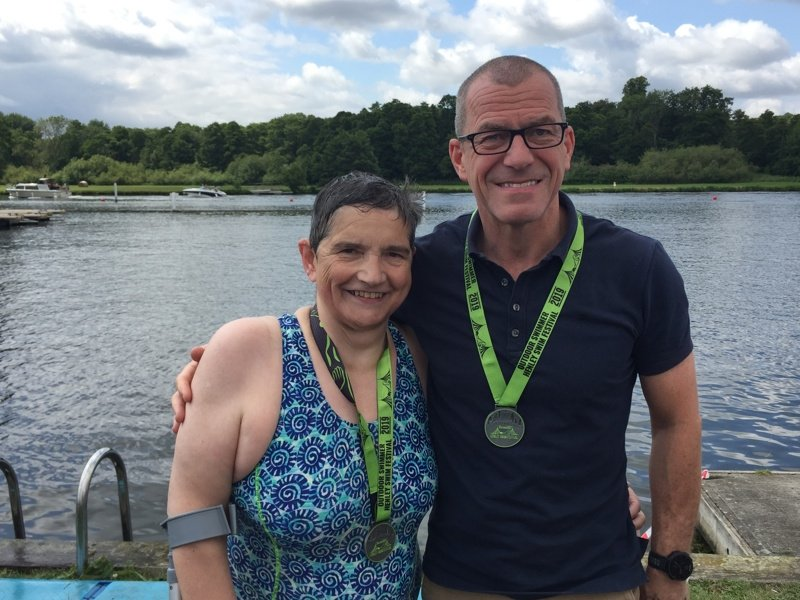 2009 relay channel swimmers Eleanor and Brian at Henley
